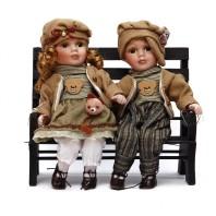 Дети на скамейке